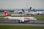 flytaka78さんが、ロンドン・ヒースロー空港で撮影したスイスインターナショナルエアラインズ BD-500-1A10 CSeries CS100の航空フォト(写真)