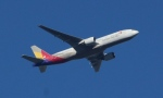 Lovely-Akiさんが、シドニー国際空港で撮影したアシアナ航空 777-28E/ERの航空フォト(写真)