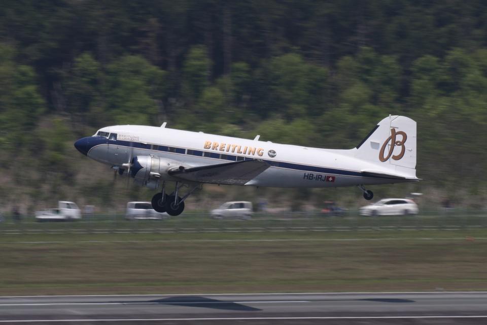 宮崎 育男さんのスーパーコンステレーション飛行協会 Douglas DC-3 (HB-IRJ) 航空フォト