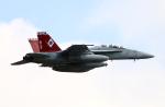なごやんさんが、厚木飛行場で撮影したアメリカ海軍 F/A-18E Super Hornetの航空フォト(写真)