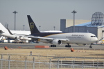 LEGACY-747さんが、成田国際空港で撮影したUPS航空 767-34AF/ERの航空フォト(写真)