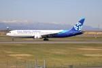 北の熊さんが、新千歳空港で撮影したアジア・アトランティック・エアラインズ 767-322/ERの航空フォト(写真)