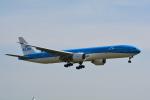 LEGACY-747さんが、成田国際空港で撮影したKLMオランダ航空 777-306/ERの航空フォト(飛行機 写真・画像)