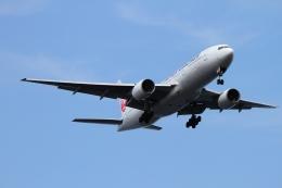 twining07さんが、羽田空港で撮影した日本航空 777-246の航空フォト(飛行機 写真・画像)
