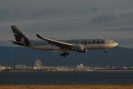 Izumixさんが、関西国際空港で撮影したカタール航空 A330-202の航空フォト(飛行機 写真・画像)