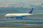485k60さんが、羽田空港で撮影したデルタ航空 777-232/ERの航空フォト(写真)