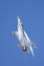 Kenny600mmさんが、岩国空港で撮影したアメリカ空軍 F-16CM-50-CF Fighting Falconの航空フォト(写真)