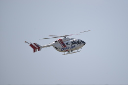 kumagorouさんが、自宅上空で撮影した東北エアサービス BK117C-2の航空フォト(写真)