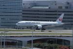 BIRDさんが、羽田空港で撮影した日本航空 777-246/ERの航空フォト(飛行機 写真・画像)