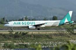 KORYO204さんが、富山空港で撮影したエアソウル A321-231の航空フォト(飛行機 写真・画像)