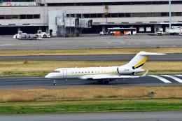 T.Sazenさんが、羽田空港で撮影した不詳 BD-700 Global Express/5000/6000の航空フォト(写真)