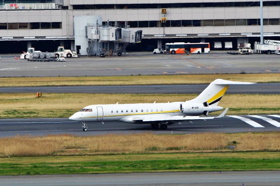 T.Sazenさんの不詳 Bombardier BD-700 Global Express/5000/6000 (M-IUNI) 航空フォト