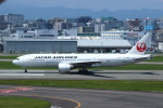 resocha747さんが、福岡空港で撮影した日本航空 777-289の航空フォト(写真)