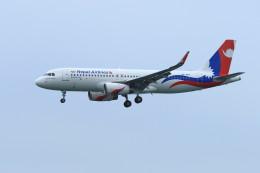 オポッサムさんが、香港国際空港で撮影したネパール航空 A320-233の航空フォト(飛行機 写真・画像)