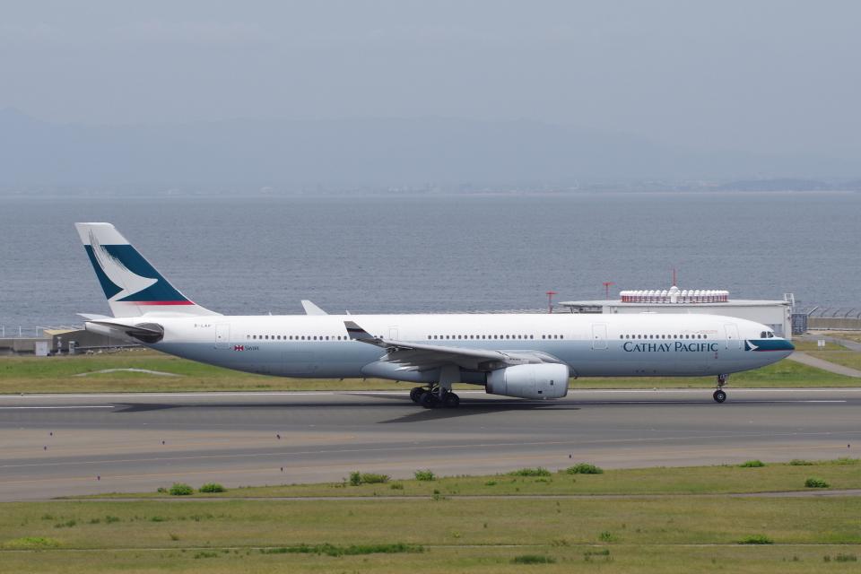 yabyanさんのキャセイパシフィック航空 Airbus A330-300 (B-LAP) 航空フォト