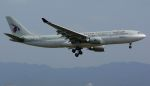Chikaの航空見聞録さんが、関西国際空港で撮影したカタール航空 A330-202の航空フォト(飛行機 写真・画像)