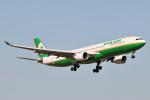 panchiさんが、成田国際空港で撮影したエバー航空 A330-302の航空フォト(飛行機 写真・画像)