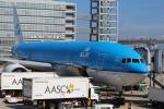 セブンさんが、関西国際空港で撮影したKLMオランダ航空 777-206/ERの航空フォト(飛行機 写真・画像)