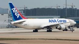 coolinsjpさんが、青島流亭国際空港で撮影した全日空 767-381/ER(BCF)の航空フォト(飛行機 写真・画像)