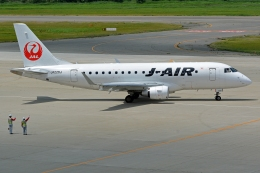 k-spotterさんが、新潟空港で撮影したジェイ・エア ERJ-170-100 (ERJ-170STD)の航空フォト(写真)