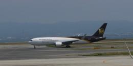 furaibo123さんが、関西国際空港で撮影したUPS航空 767-34AF/ERの航空フォト(飛行機 写真・画像)