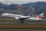 おみずさんが、福岡空港で撮影した日本航空 777-289の航空フォト(写真)