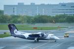 パンダさんが、新千歳空港で撮影したオーロラ DHC-8-200Q Dash 8の航空フォト(写真)