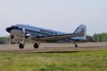 北の熊さんが、帯広空港で撮影したスーパーコンステレーション飛行協会 DC-3Aの航空フォト(写真)