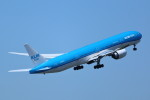 AokaiE531さんが、成田国際空港で撮影したKLMオランダ航空 777-306/ERの航空フォト(写真)
