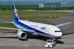 パンダさんが、新千歳空港で撮影した全日空 777-281/ERの航空フォト(写真)
