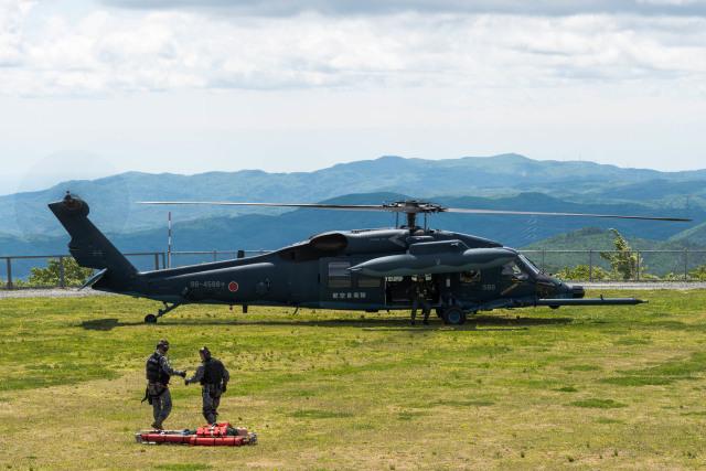 航空自衛隊 Mitsubishi UH-60J 9...