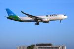 LAX Spotterさんが、ロサンゼルス国際空港で撮影したレベル A330-202の航空フォト(写真)