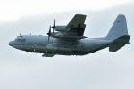 うめやしきさんが、厚木飛行場で撮影したアメリカ海軍 C-130T Herculesの航空フォト(写真)