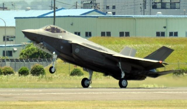日本三菱重工(MHI):首架F-35A AX-5號戰機進行首次飛行測試作業@ 阿棟的 ...