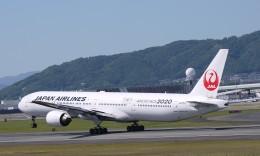 furaibo123さんが、伊丹空港で撮影した日本航空 777-346の航空フォト(飛行機 写真・画像)
