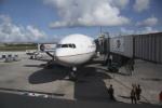 けいとパパさんが、グアム国際空港で撮影したユナイテッド航空 777-222の航空フォト(写真)