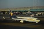 flying-dutchmanさんが、ドバイ国際空港で撮影したジェットエアウェイズ 737-8ALの航空フォト(写真)