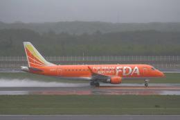 khideさんが、新千歳空港で撮影したフジドリームエアラインズ ERJ-170-200 (ERJ-175STD)の航空フォト(飛行機 写真・画像)