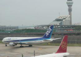 Rsaさんが、上海浦東国際空港で撮影した全日空 767-381/ERの航空フォト(飛行機 写真・画像)