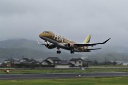 Gleimさんが、出雲空港で撮影したフジドリームエアラインズ ERJ-170-200 (ERJ-175STD)の航空フォト(飛行機 写真・画像)