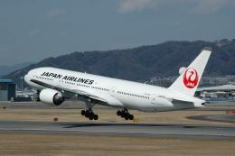 flying-dutchmanさんが、伊丹空港で撮影した日本航空 777-246の航空フォト(飛行機 写真・画像)