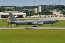 kon chanさんが、嘉手納飛行場で撮影したアメリカ空軍 KC-135R Stratotanker (717-148)の航空フォト(飛行機 写真・画像)