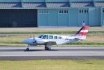 mojioさんが、熊本空港で撮影した崇城大学 58 Baronの航空フォト(飛行機 写真・画像)