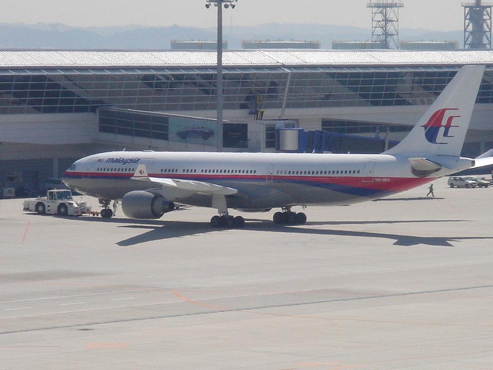 yabyanさんのマレーシア航空 Airbus A330-200 (9M-MKV) 航空フォト