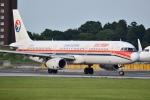 うとPさんが、成田国際空港で撮影した中国東方航空 A321-231の航空フォト(写真)