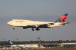 けいとパパさんが、成田国際空港で撮影したデルタ航空 747-451の航空フォト(写真)