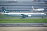シュウさんが、羽田空港で撮影したキャセイパシフィック航空 777-367の航空フォト(写真)
