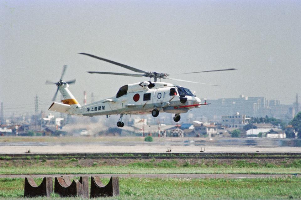 totsu19さんの海上自衛隊 Sikorsky S-70 (H-60 Black Hawk/Seahawk) (8201) 航空フォト