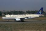 ウッディーさんが、レオナルド・ダ・ヴィンチ国際空港で撮影したサウジアラビア航空 A320-214の航空フォト(写真)