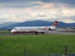 けーぶんさんが、台北松山空港で撮影した遠東航空 MD-82 (DC-9-82)の航空フォト(写真)